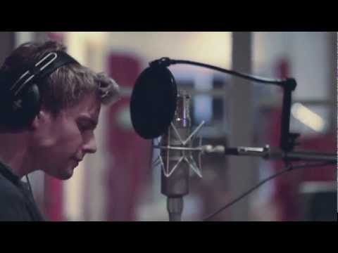 Hunter Parrish singing Beautiful City. I cry just about every time I listen to this. He sings like an angel.