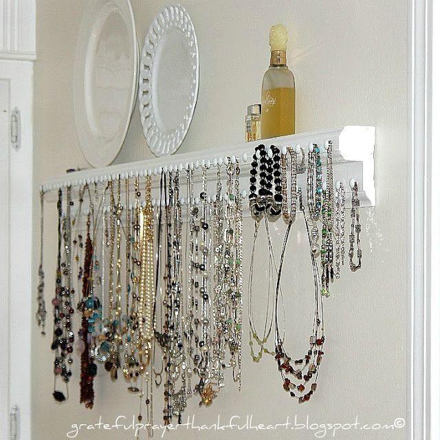 Necklace storage shelf