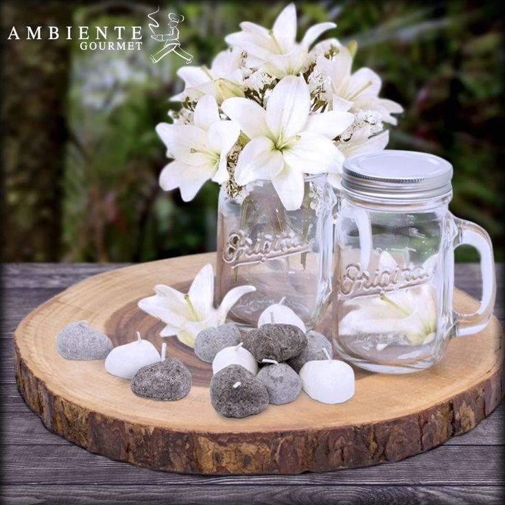 Los #masonjar también pueden ser tus aliados en temas de decoración. Una mezcla de color, velas y flores vestirán tu mesa para una gran ocasión