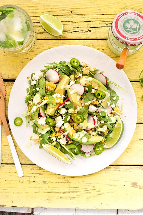 INGREDIENTS BY SAPUTO | This grilled corn salad with avocados and arugula is sure to become the star recipe of your summer. Topped with a creamy homemade dressing made with Saputo Feta cheese, it's the perfect solution for a healthy lunch or dinner!