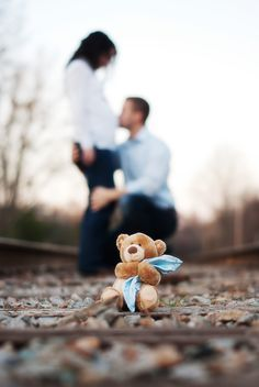 www.ransom-photog… do this photo with a child sitting in place of the teddy be… – Babybauchfotos