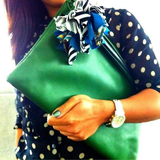 Ooh, lovin' this green Clare Vivier Clutch