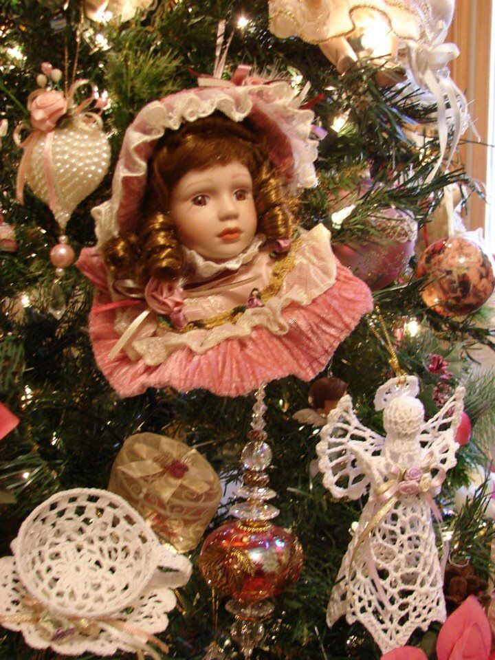 Decorate A Christmas Tree With Tinsel