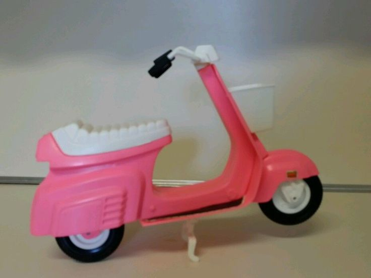 VINTAGE  BARBIE DOLL PINK MOPED/SCOOTER