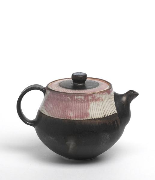 Yasuko Ozeki #ceramics #pottery teapot color texture