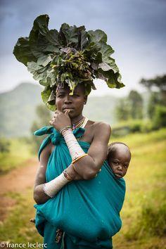 Africa | Karo woman.  Omo Valley, Ethiopia | ©France Leclerc