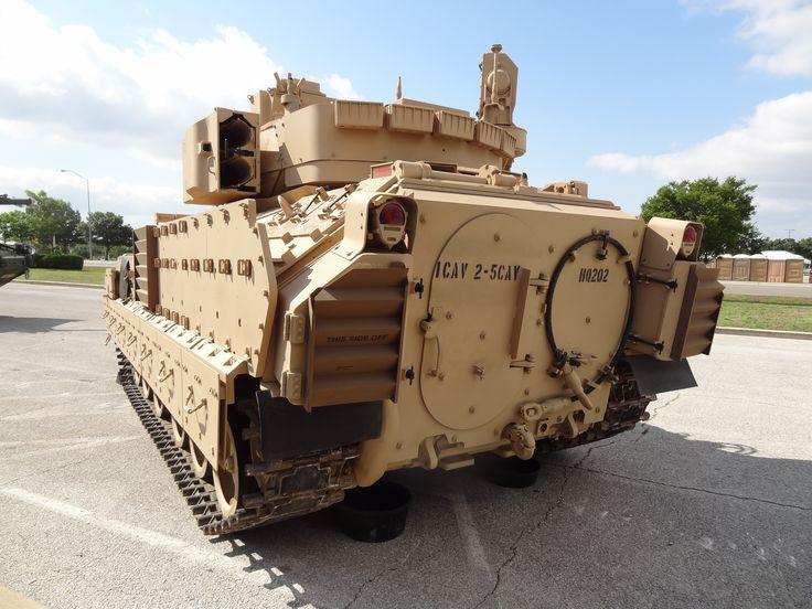 M2a3 bradley fighting vehicle (4608x3456, bradley, fighting, vehicle)  via www.allwallpaper.in