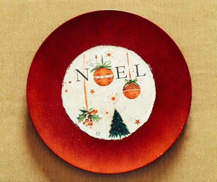 Decoupage on a christmas plate