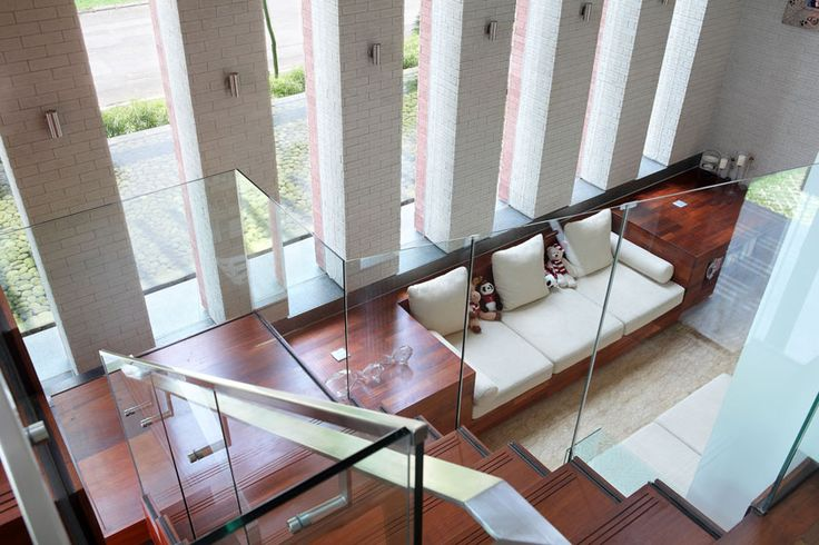 Modern Tropical House - Staircase | Wahana Architects