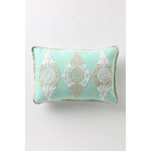 Dusky Blooms Pillow from Anthropologie, $58.Living Room, Accesorios Textiles, Bloom Pillows, Living Accessoires, Bachiliqu Pillows, Dusky Bloom