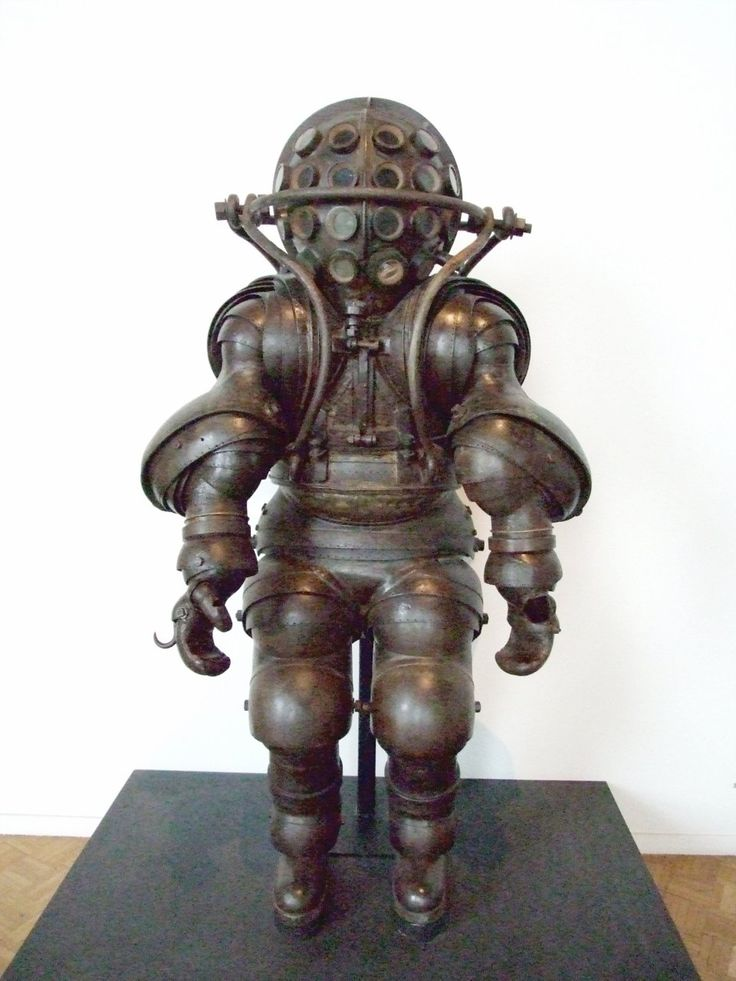19th century French deep sea diving suit. It weighs 800 pounds, and has ball joints like modern deep sea suits. Circa 1882, designed by Alphonse and Théodore Carmagnolle, on display at the National Marine Museum in Paris.