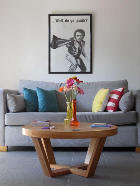 M s de 25 ideas fant sticas sobre salas esquineras en for Mesas para esquinas
