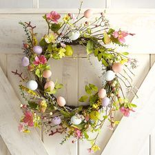 "Glittered Eggs 18"" Wreath"