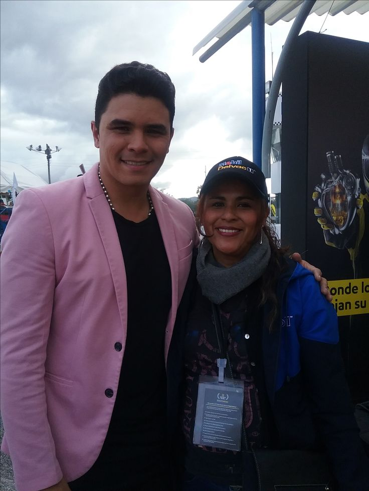 Cristian Better, Artista invitado; Edna Milena Hernández, Directora de Proyectos Digitales y Mercadeo, Webkolor.  29 Gran Premio Nacional Mobil Delvac.
