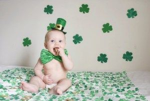 DIY St. Patrick's Day photo shoot.  Adorable baby holiday pictures!