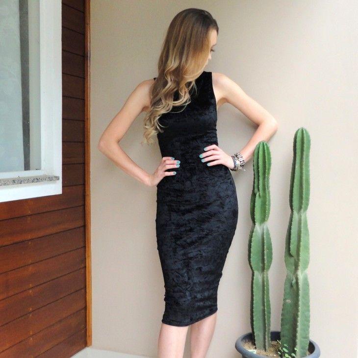 vestido-preto-midi-justo-regata-tubinho-veludo-molhado-moda-festa-2016-outonmo-inverno-comprar-hora-de-diva