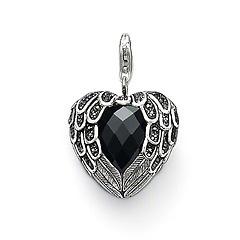 I want this soooo bad!!! Love love love Thomas Sabo pendant.