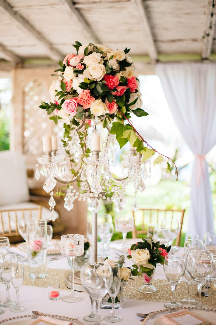 345 best wedding centerpieces images on pinterest fresh flower in combination with chandeliers for perfect centerpieces venue kukua punta cana photo arubaitofo Image collections