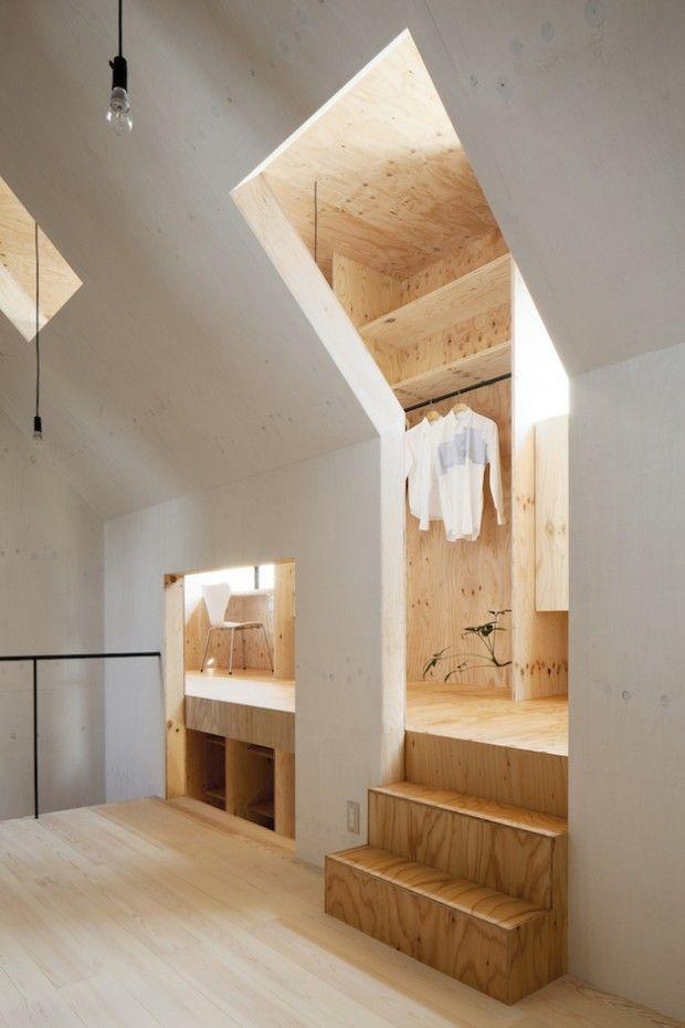Cette maison lumineuse et moderne a été créée par mA-style Architects à Omaezaki au Japon.