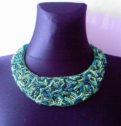 """naszyjnik """"wielogodzinny"""" - naszyjnik z filcu wyszywanego koralikami - biżuteria"""