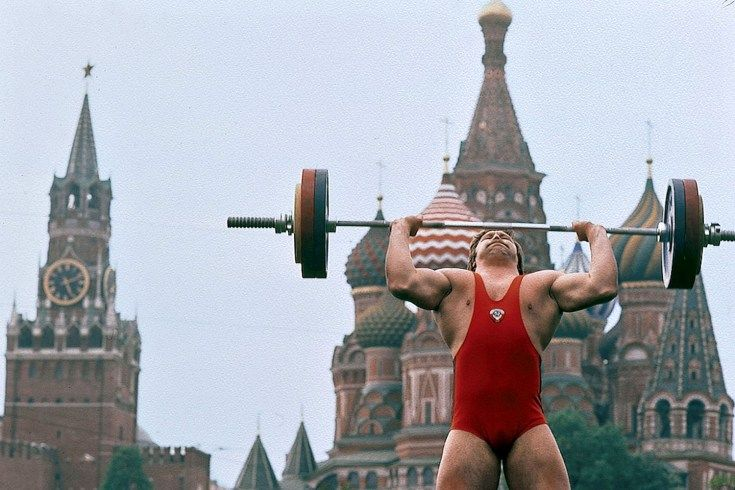 Neil Leifer's 1984 Olympic Odyssey Around the World // Viktor Mosibit, St. Basil's Cathedral in Moscow's Red Square