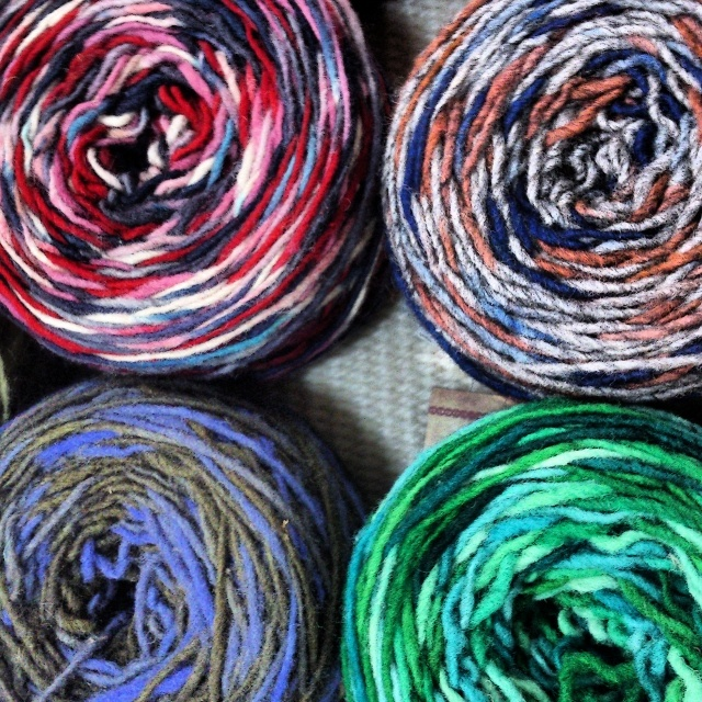 Hand dyed wool yarn // missionmapuche.org #mapuche #chile