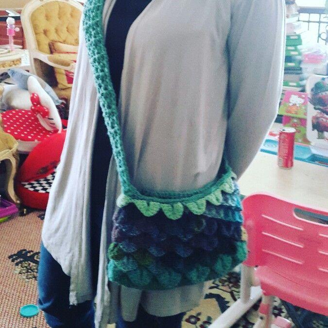 Crocodile stitch crochet purse