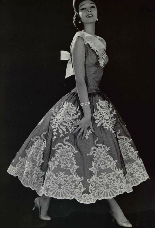 1956, Pierre Balmain - could I applique lace onto a dress like this?