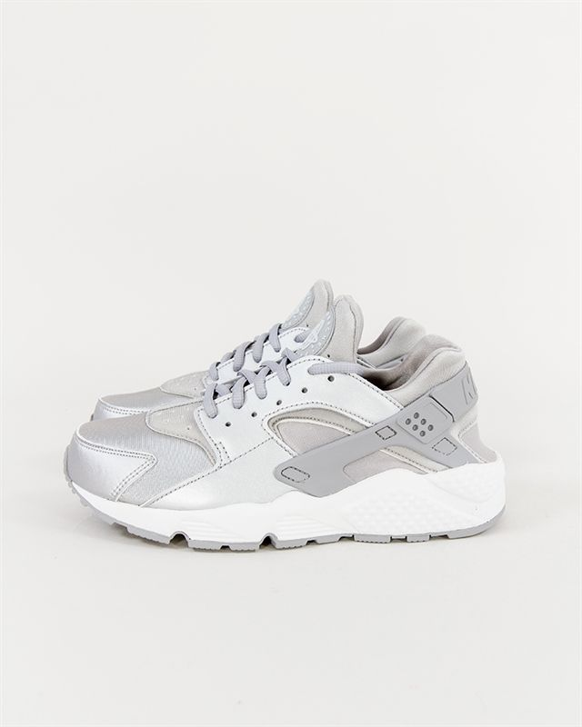 6640d6c9354 Nike Wmns Air Huarache Run SE - 859429-002 - Footish  If you´re into  sneakers in 2018