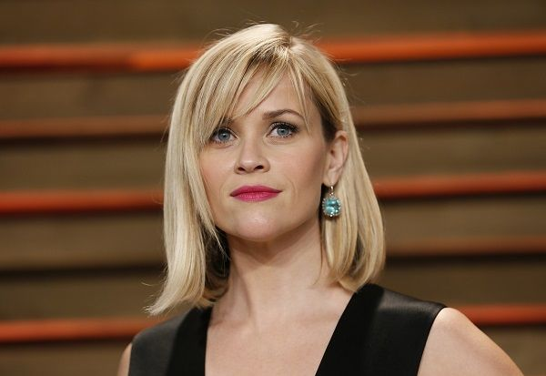 Reese Witherspoon Side Swept Bangs | Reese Witherspoon's long bob and side-swept bangs are in.
