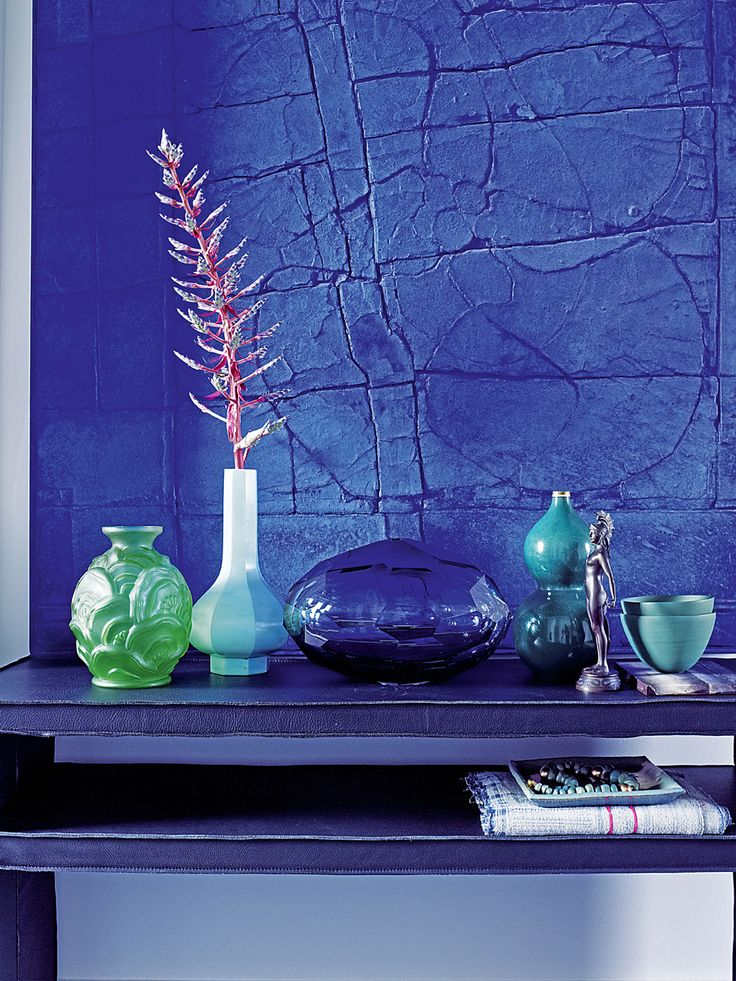 Piet Boon Styling by Karin Meyn   Ton sur ton with strong blue