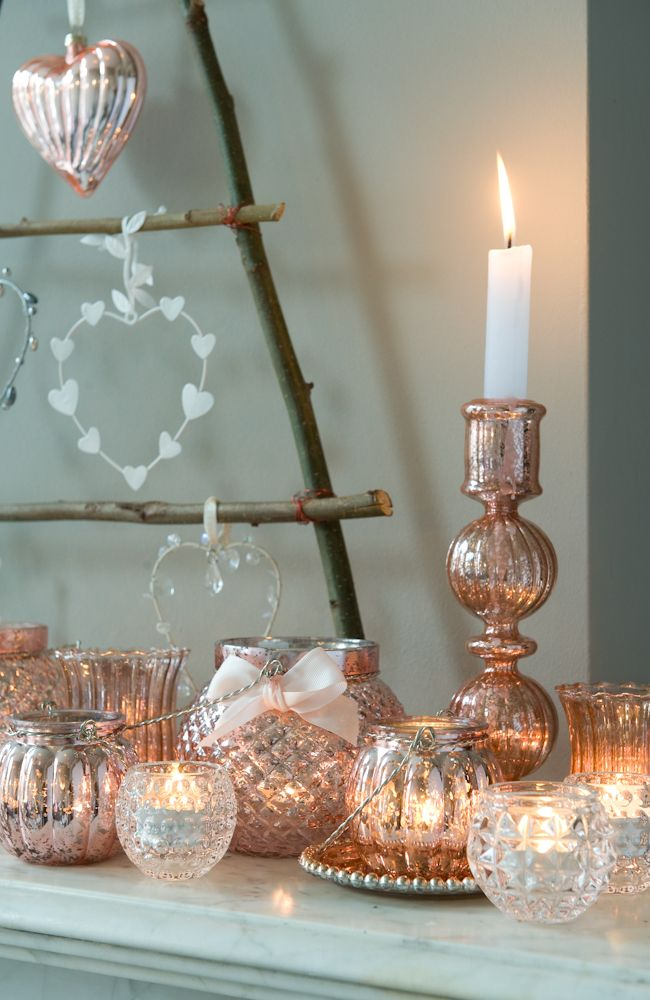 De kleur RoseGoud wil ik in mn lampen en spulletjes teruglaten komen. At Home - Gitty de Gier #candlelight