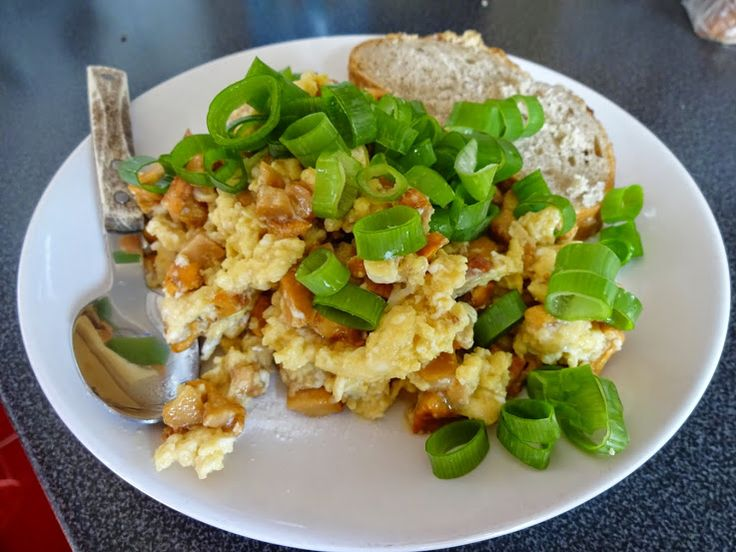 #scrambled eggs with mushrooms #míchaná vajíčka s houbami
