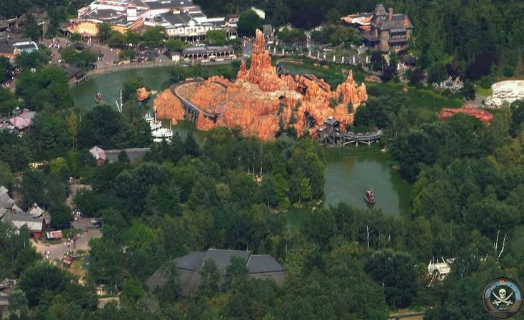 #Disneyland Paris. Frontierland seen from the sky air with a view of Big Thunder mountain, Rivers of the Far-West, chaparral theater and Phantom Manor #DLP #DLRP #Disney BTM