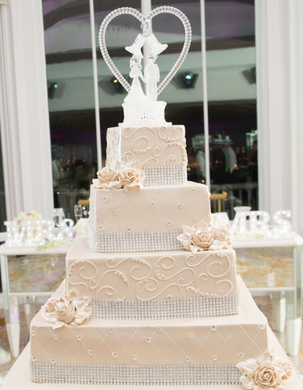 Vintage Cream Wedding Cake