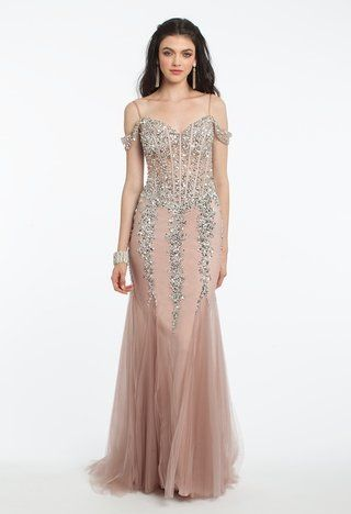 Bring the wow-factor with this exquisite evening gown! A flawless ... 2839bae11
