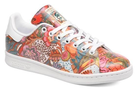 Exclu Sarenza ! Les célèbres Stan Smith de Adidas Originals font toujours leur petit effet sur les modeuses... Version cuir texturé aux couleurs 100% trendy, vous allez fondre ! Les sneakers Adidas Originals Stan Smith W ne laissent aucune place à l'...