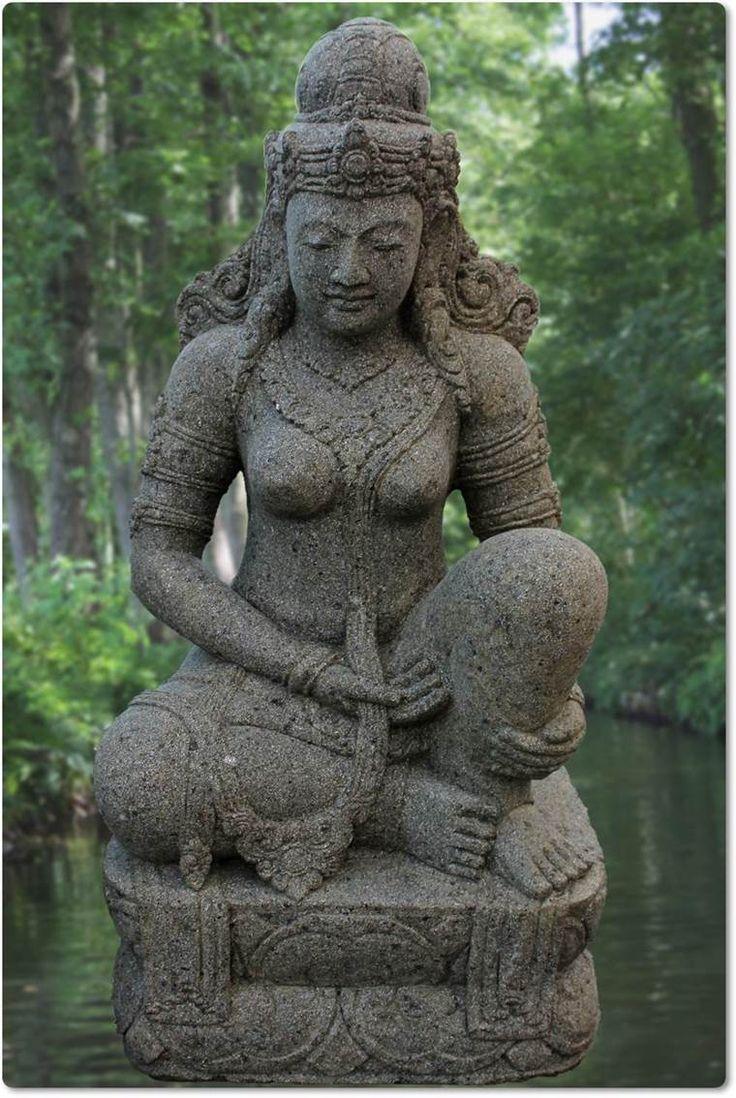 Javanesische Steinfigur des Gottes Shiva
