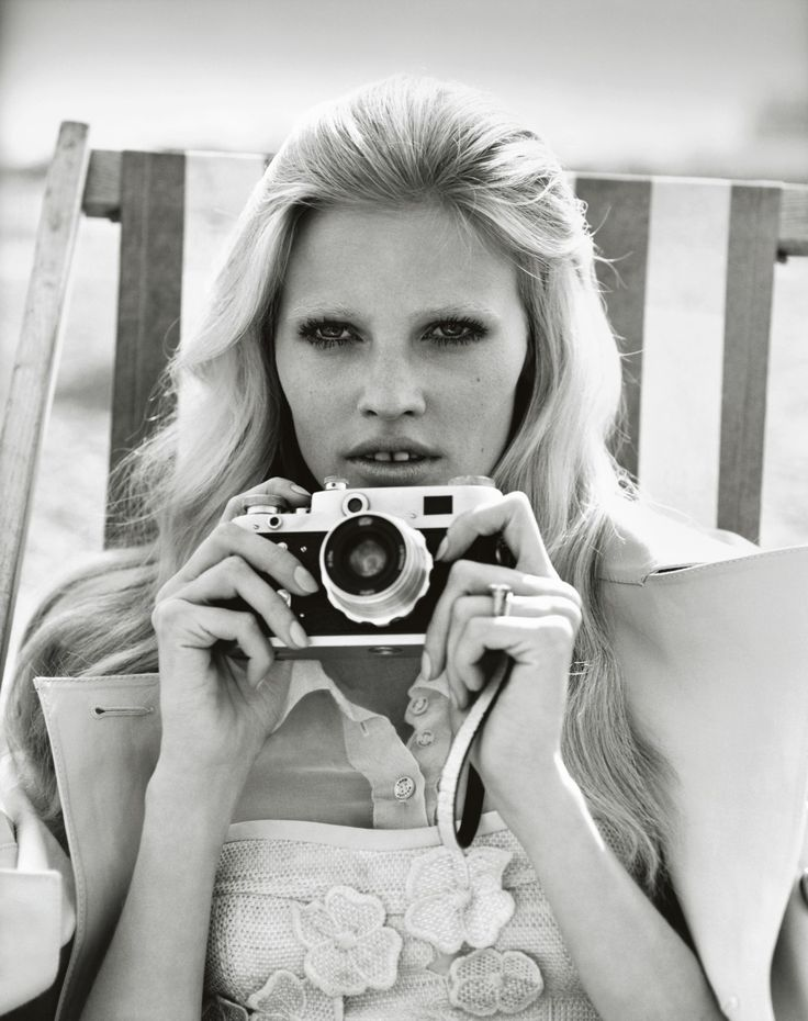 Lara Stone- Alasdair McLellan - November 2010 issue