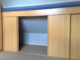 Meer dan 1000 idee n over kleine slaapkamer op zolder op pinterest kleine zolders slaapkamer - Idee amenagement zolder klein volume ...