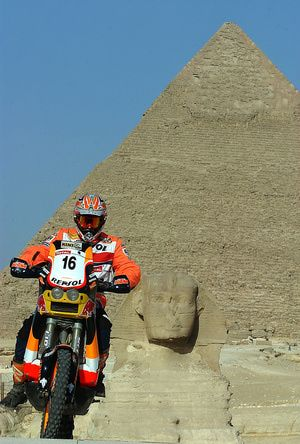 2004 Pharaons International Rally, Cairo Egypt - Getty Images/Giuseppe Cacace