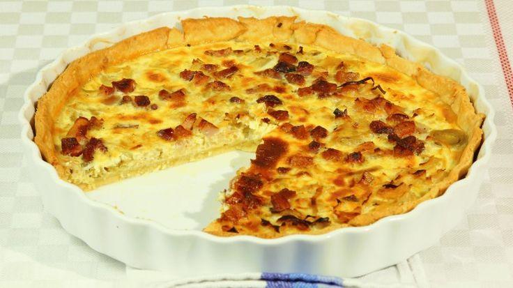 Ricetta Quiche porri e pancetta: Una torta salata profumata e saporita ed al tempo stesso semplice da preparare. Se volete assaporarla al meglio servitela ancora calda, gusterete in pieno la cremosità del ripieno...