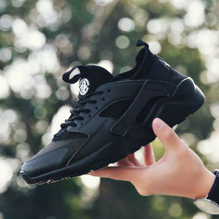 Mesh Air Breathable Men Trainers Black