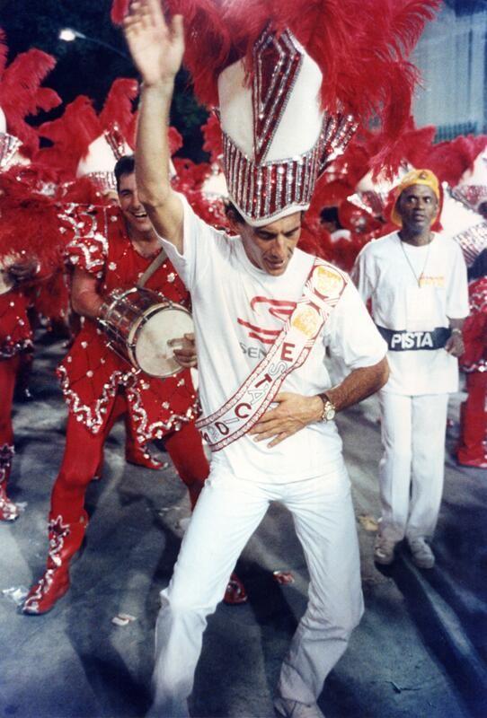 """""""Dancing!"""" Ayrton Senna, Desfile das Escolas de Samba do Rio,1992"""