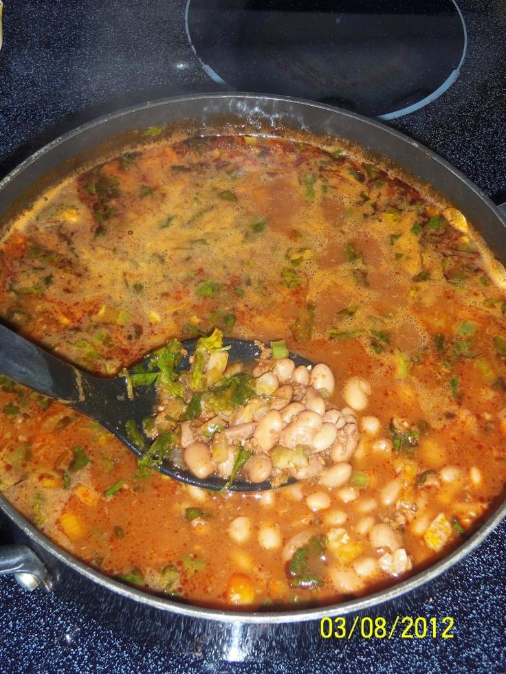 Frijoles Borrachos con Chorizo...Drunken Pinto Beans with Chorizo)