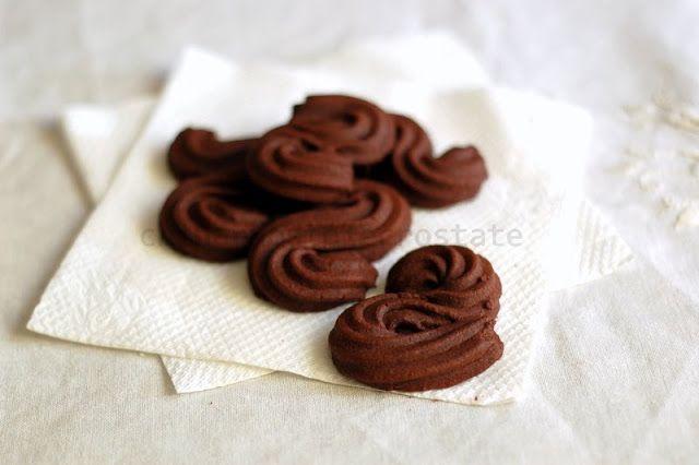 Chi ha rubato le crostate? : » Biscotti di frolla montata al cacao. La Sablè di Hermè!