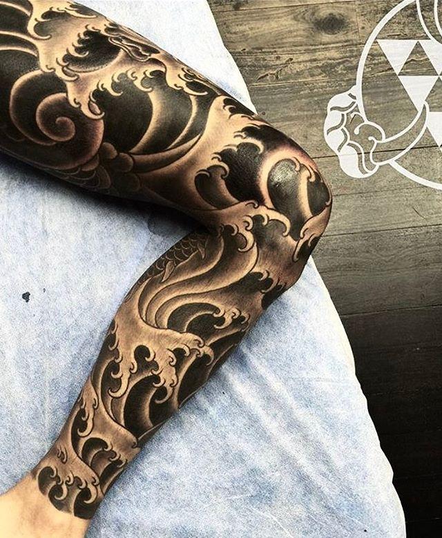 "3,322 Likes, 17 Comments - Japanese Ink (@japanese.ink) on Instagram: ""Japanese leg-sleeve tattoo by @rhysgordon.  #japaneseink #japanesetattoo #irezumi #tebori #bngink…"""