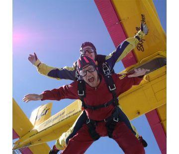 Saut en tandem parachute à Granges / CHF 395,-