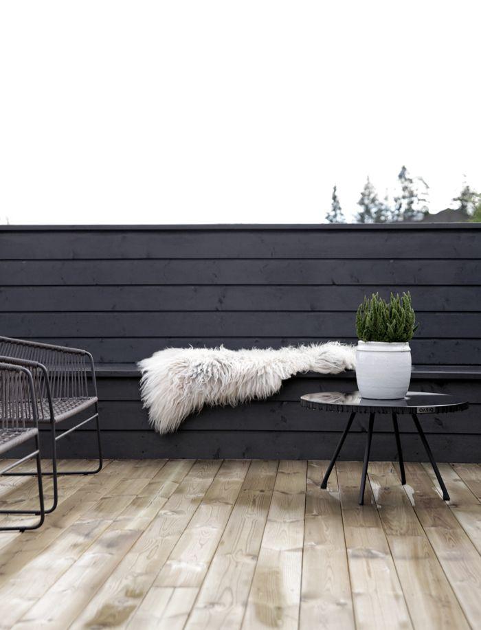 Black terrace | via @stylizimo