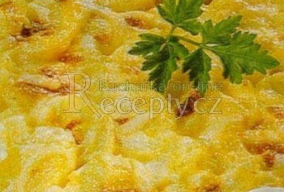 Gratinované brambory s cibulí